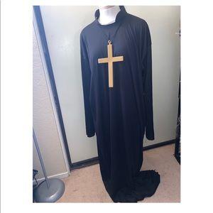 Men's Priest Costume w/Cross Medallion